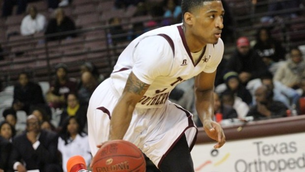 Tonnie Collier scored 26 points including two free throws with 11 seconds left in triple-overtime …read more Read more here:: TSUBall.com Related posts: Tigers close out PVAMU in triple overtime […]