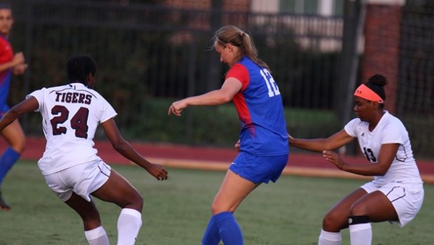 The Texas Southern Lady Tigers soccer team fell to SMU 5-1 on Sunday in non-conference action …read more Source:: TSUSports.com Related posts: Texas Southern draws SMU in WNIT First Round […]